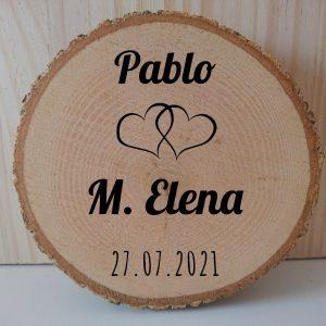 Porta-alianzas-rodaja-tronco-madera-boda-corazones