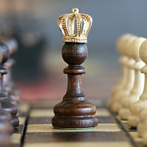 Beneficios ajedrez de madera artesanal