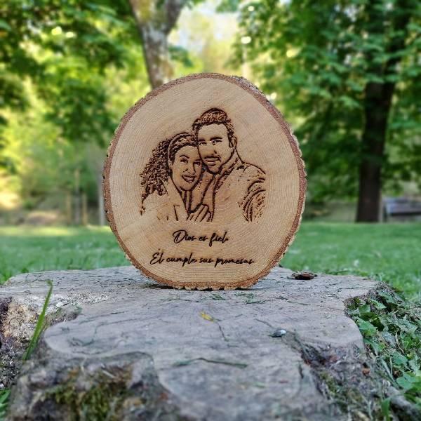 Retratos-grabados-en-madera